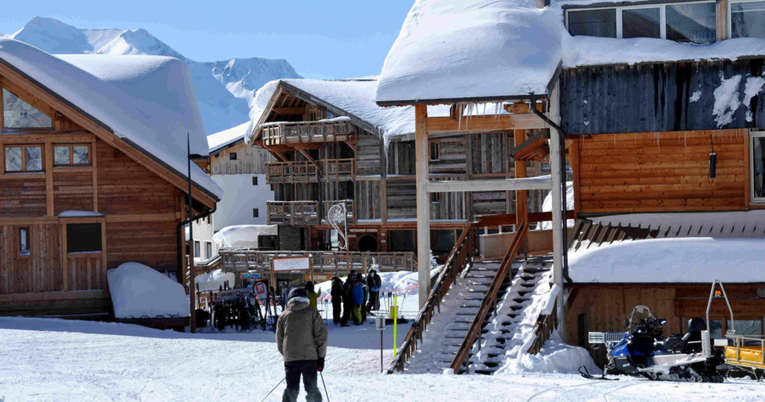 Luxury chalets in Alpe dHuez - these are the ski in ski out chalets