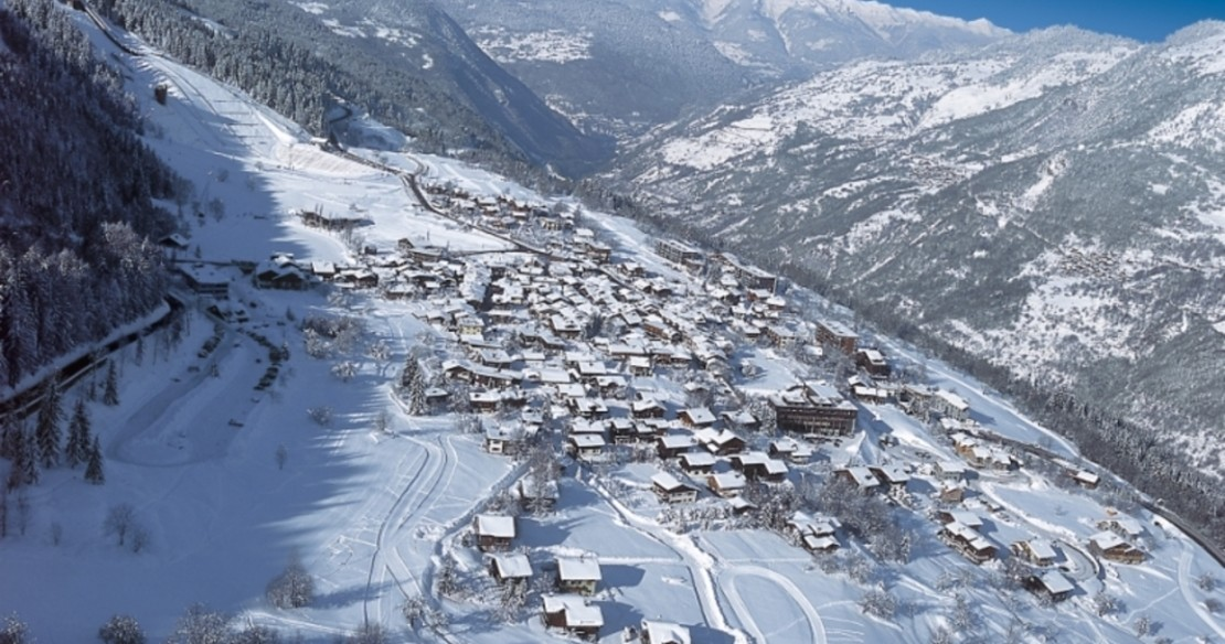 Luxury chalets and hotels in Courchevel le Praz resort in France