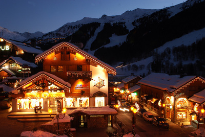 A superb collection of top quality chalets in this pretty Three Valleys resort