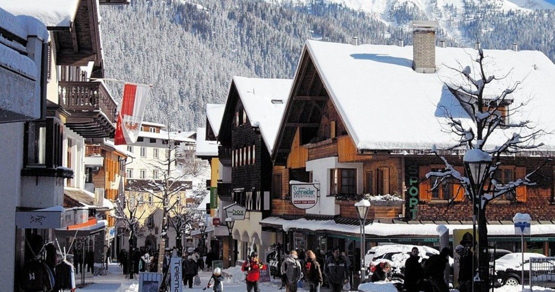 St Anton resort guide - looking down the high street