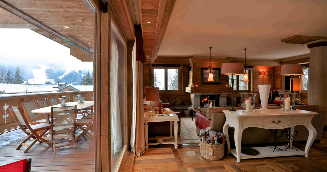 Chalet Trois Ours Meribel - sitting room and balcony