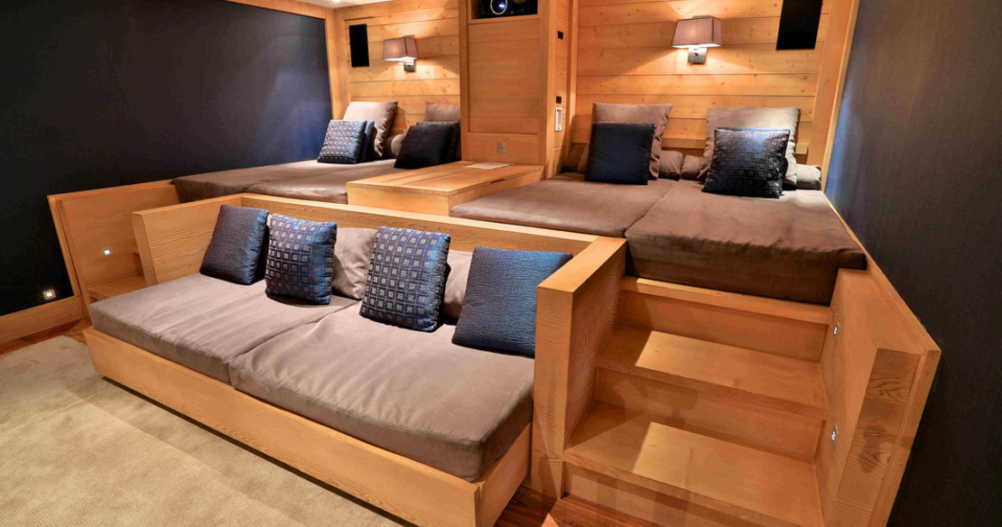 Chalet Trois Ours Meribel - cinema room