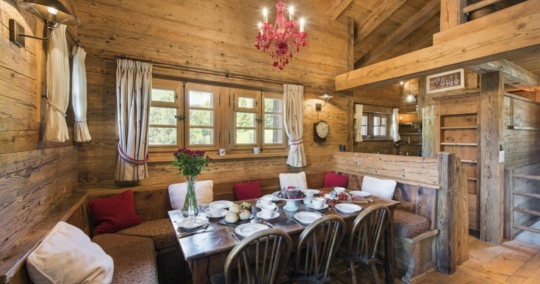 Luxury Chalet Le Ti Verbier - dining table