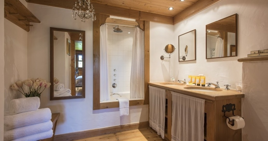 Luxury Chalet Le Ti Verbier - shower room