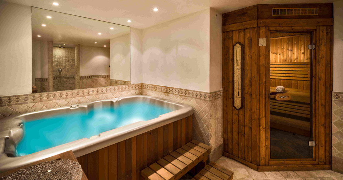 Chalet Hermine Courchevel 1850 - indoor spa