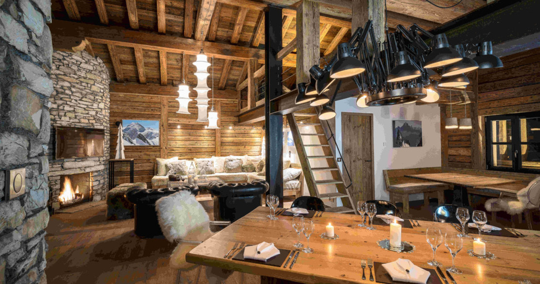 Chalet Face Val d'Isere - dining table