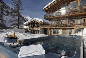Chalets in Val d'Isere with hot tub