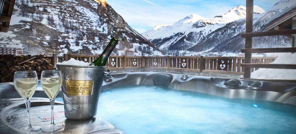Chalets in Val d'Isere with hot tub - Chalet Amourette