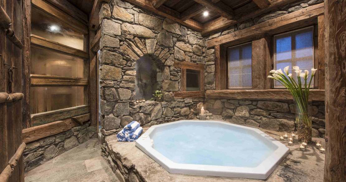 Chalet Montana Courchevel 1850 - indoor jacuzzi
