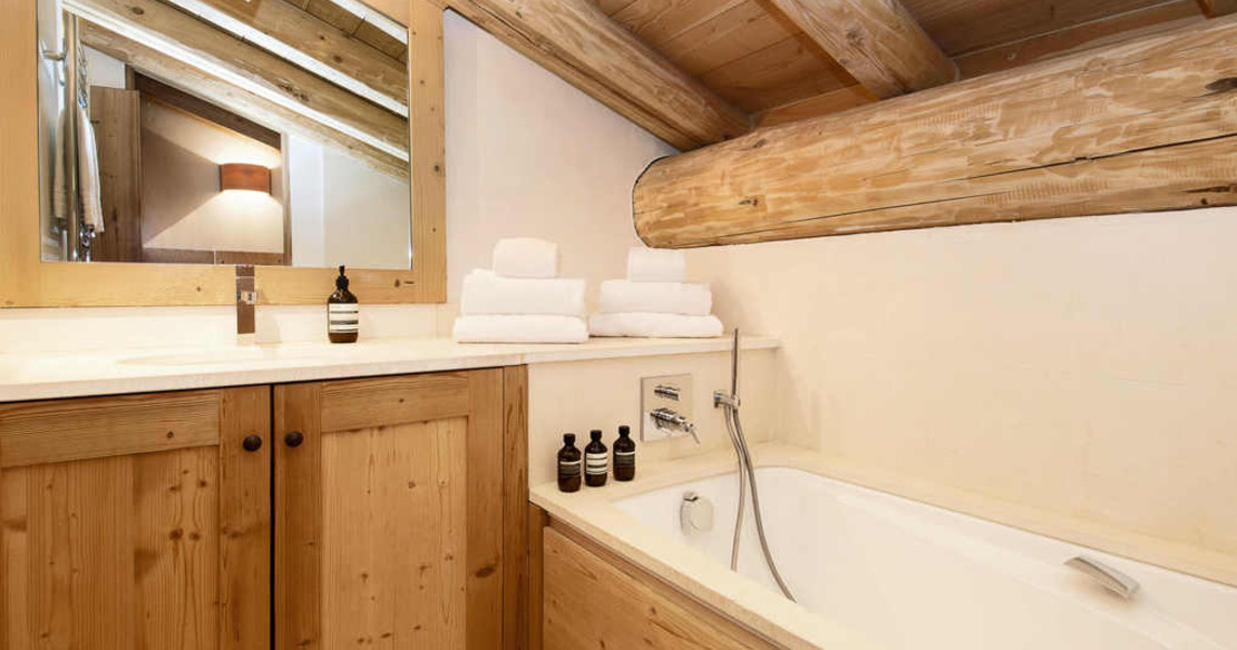 Chalet Grand Sarire Val d'Isere - bathroom