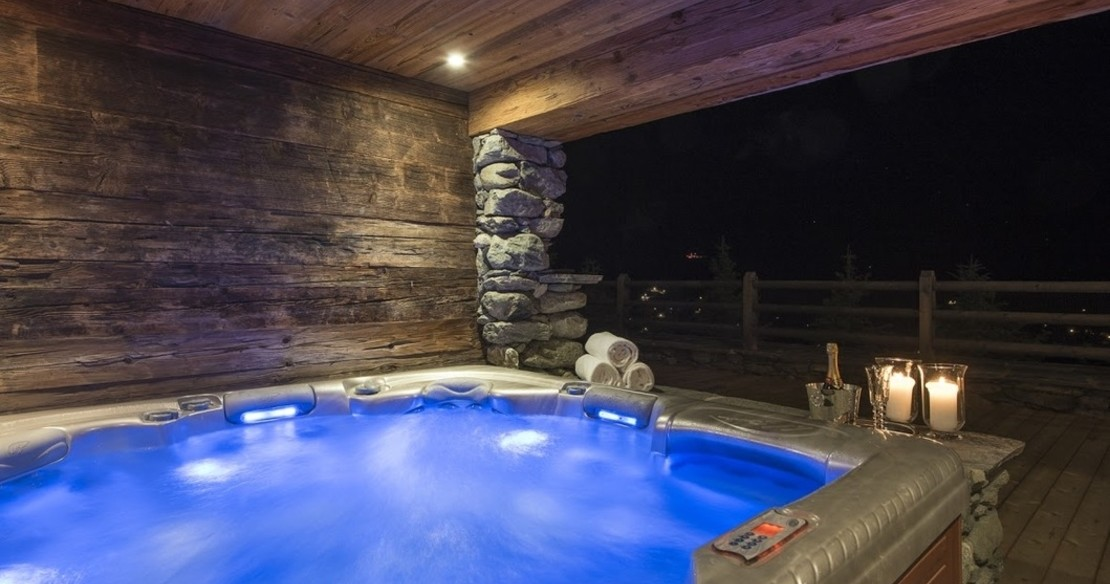 Chalet Orsini Verbier - hot tub