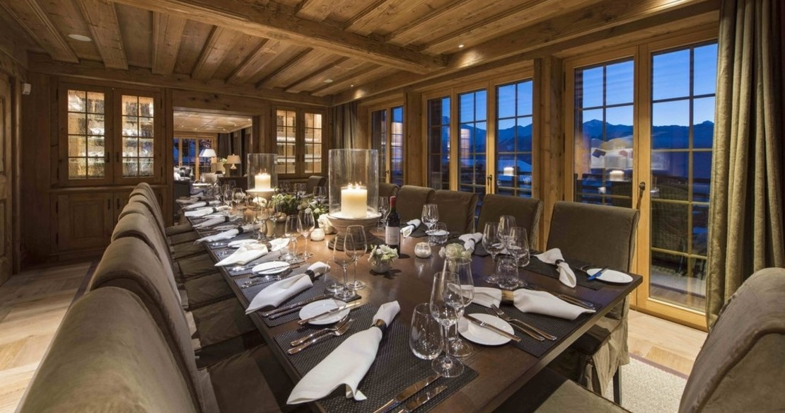 Chalet Chouqui Verbier - the dining room table