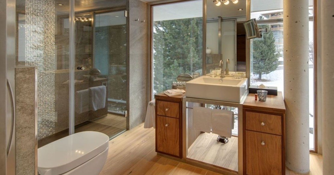 The Backstage Chalet Zermatt - bathroom