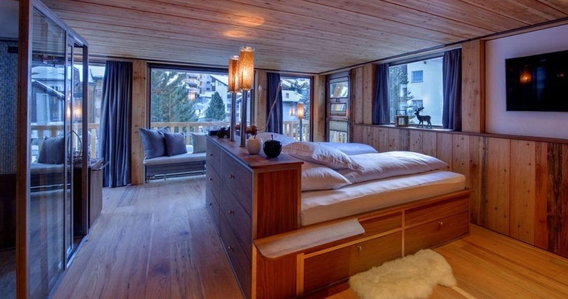 The Backstage Chalet Zermatt - bedroom