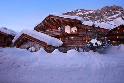 Chalet Marco Polo Val d'Isere - downstairs bar