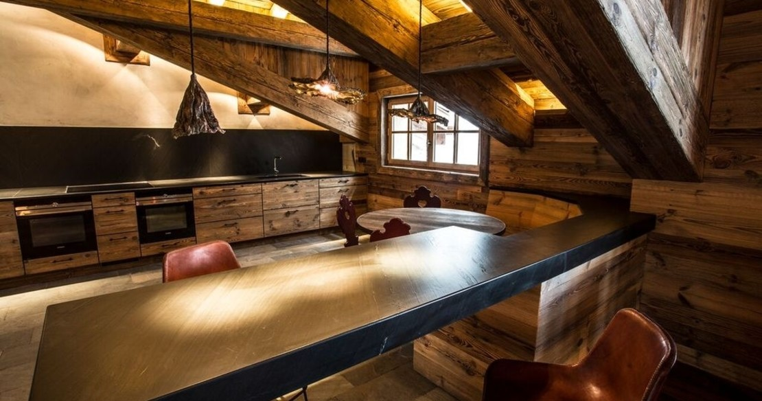 Chalet Chene, Val d'Isere, kitchen table