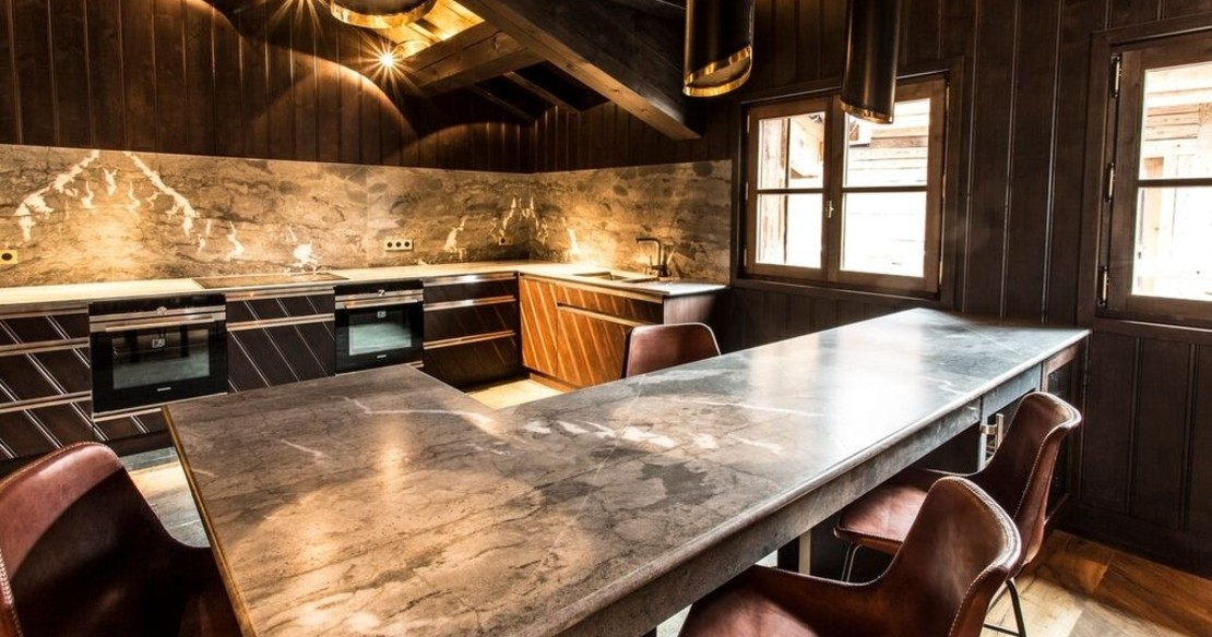 Chalet Ebene, Val d'Isere, kitchen table