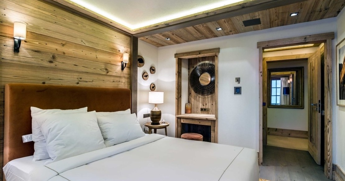 Chalet Nanuq, Courchevel 1850, the double bedroom