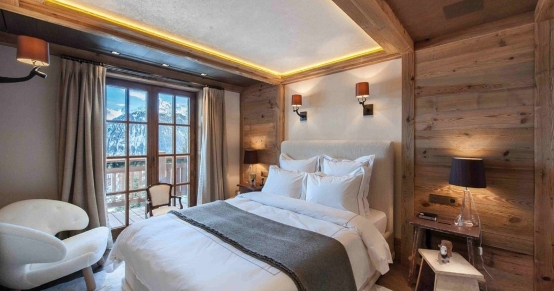 Chalet Cryst'Aile, Courchevel 1850, double bedroom