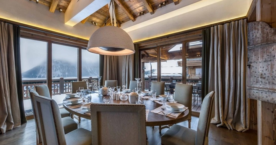 The dining table in chalet Bastidons, Courchevel 1850