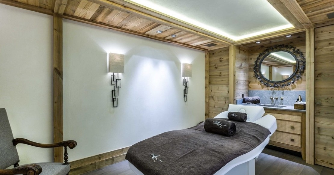 Chalet Bastidons, Courchevel 1850, treatment room
