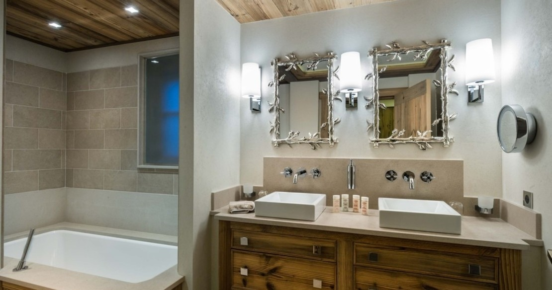 Chalet Nanuq, Courchevel 1850, bathroom