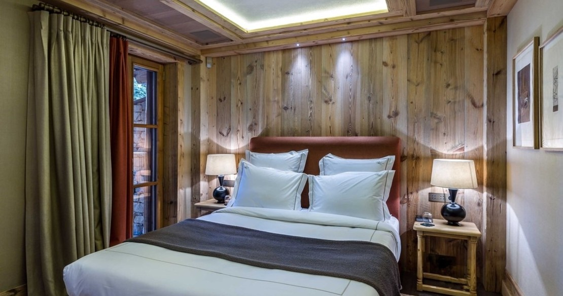 Chalet Bastidons, Courchevel 1850, double bedroom