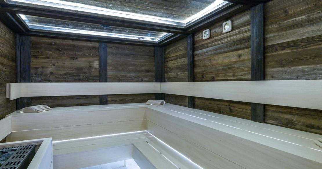 Chalet Bastidons, Courchevel 1850, the steamroom
