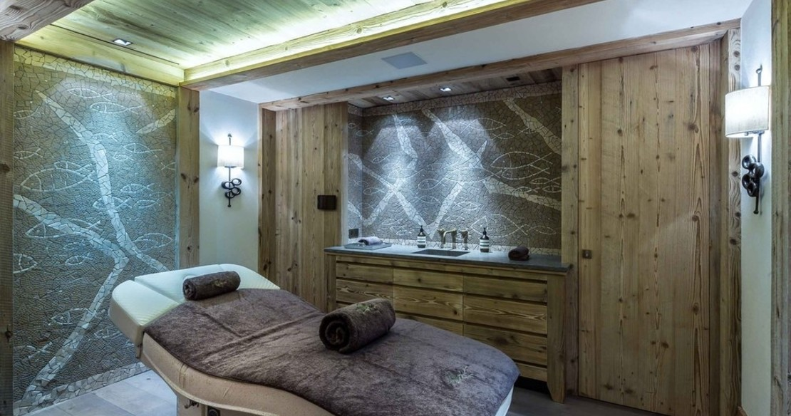 Chalet Cryst'Aile, Courchevel 1850, treatment room