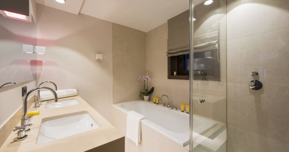 Chalet Nidus 1 Lech bathroom