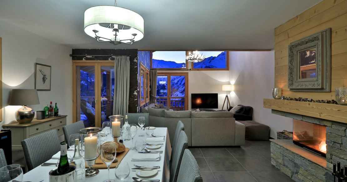 Chalet Aphylla + Aralia St Martin dining