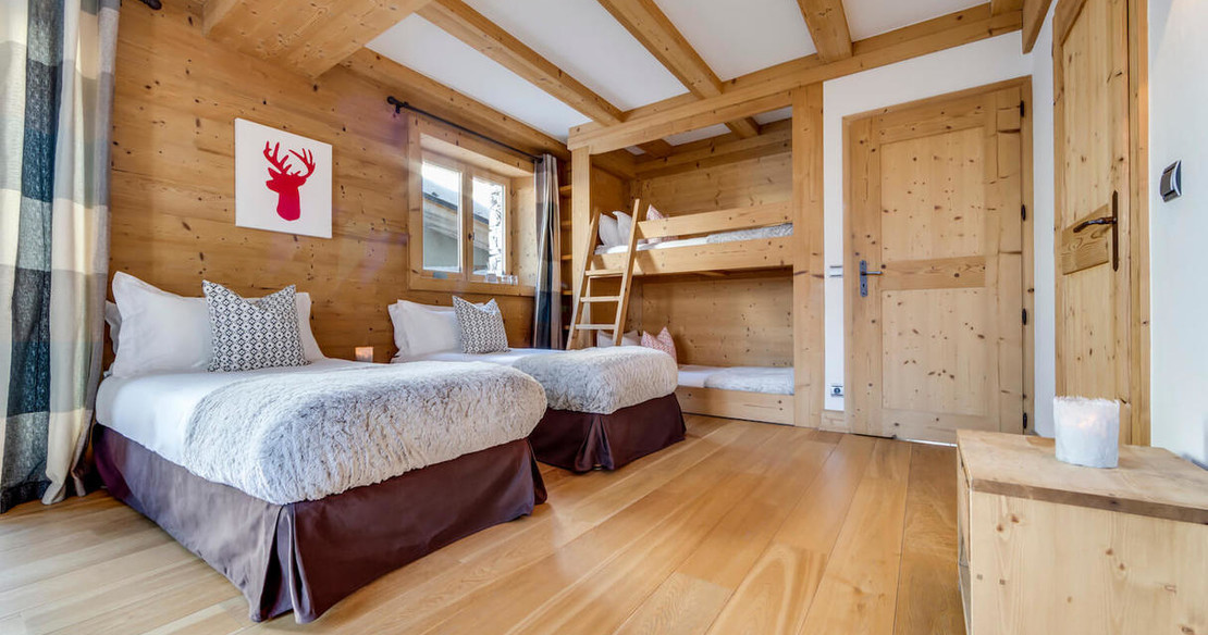 Chalet Sarire - family room