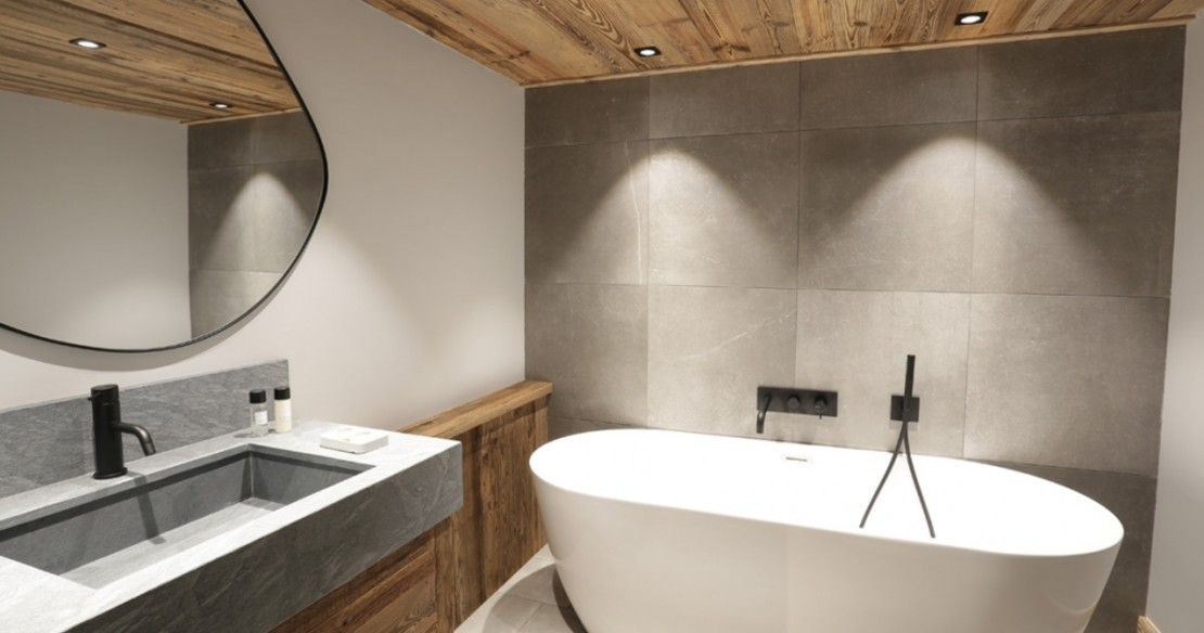 Chalet Lucaval Val d'Isere bathroom